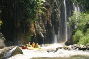 Wisata Rafting atau Arung Jeram Pekalen Probolinggo