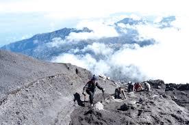 Paket Pendakian & Trekking Puncak Gunung Semeru Mahameru